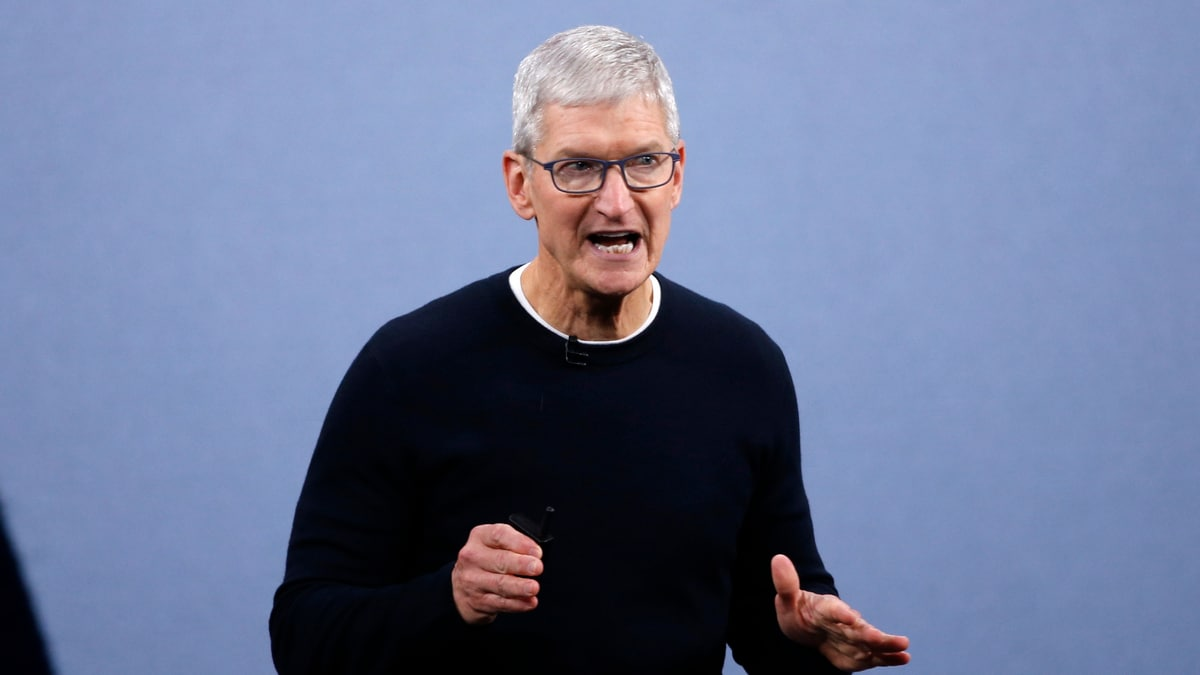 Apple CEO Tim Cook Meets Chinese Regulator After Hong Kong App Criticism