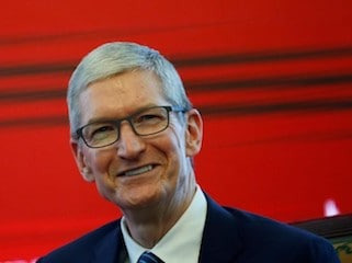 Apple CEO Tim Cook Blasts Trump's Response to Charlottesville, Vows Donations to Anti-Hate Groups