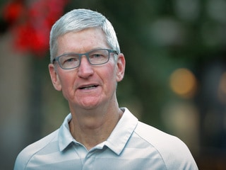 Tim Cook Warns Trump China Tariffs Help Samsung Over Apple