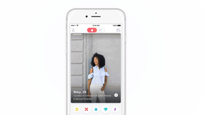 Tinder Plans to Give Women More Power, Let Them Decide to Initiate the Conversation