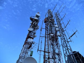 Government to Look Into TRAI's Proposal to Penalise Airtel, Idea, Vodafone: Sinha