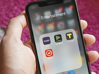 Five Free Smartphone Apps To Track TV Shows and Movies
