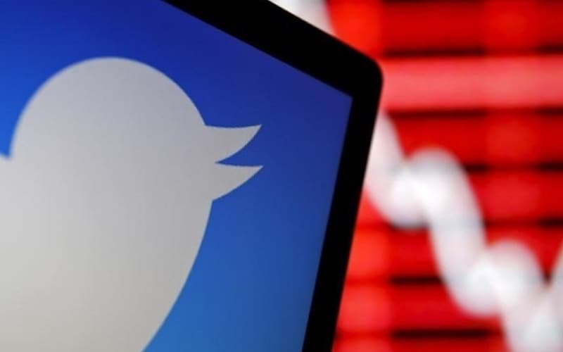 Twitter Bans Russia-Linked Accounts Following US Indictments