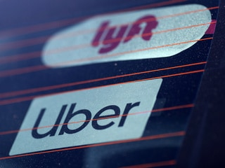 Uber, Lyft Drivers Strike for Pay Transparency
