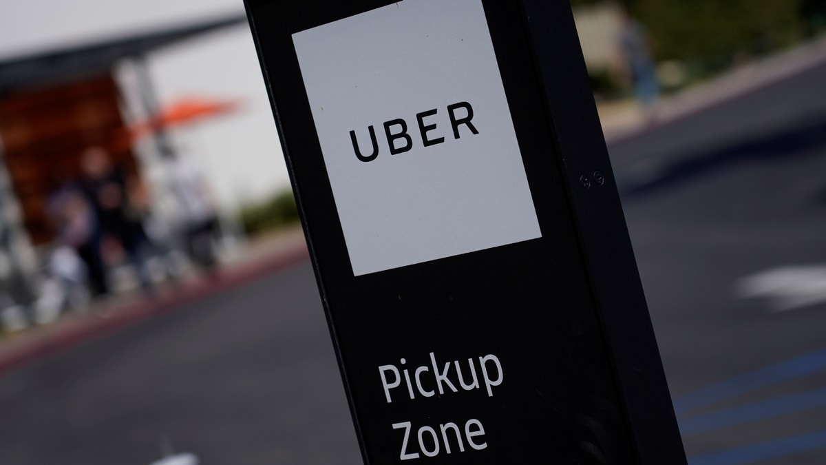 Uber Lays Off 350 Employees in Eats, Autonomous Vehicles
