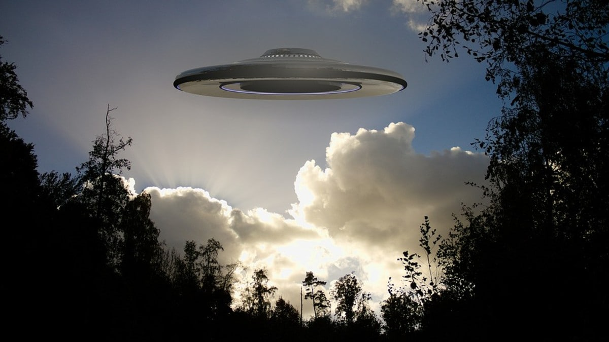 US Intel Report on UFOs Can't Confirm or Deny Link to Aliens | Technology  News