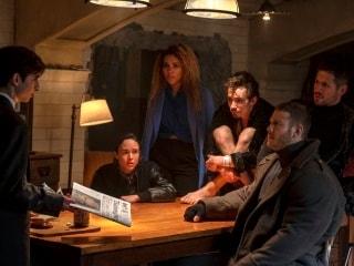 The Umbrella Academy – Netflix's New Superhero Family Is Truly Dysfunctional
