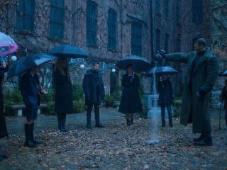 The Umbrella Academy Trailer – Ellen Page, Mary J. Blige Lead Cast of Netflix's Wacky Comic Book Series