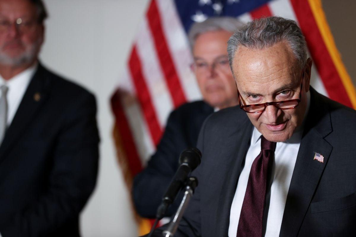 Chip Shortage: Senate Democrat Proposes  Billion for US Production, R&D