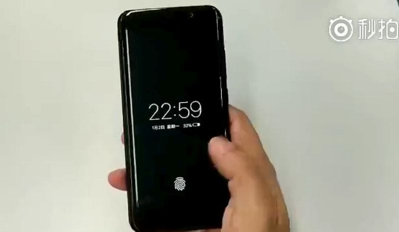 Features similar design to Galaxy S8+