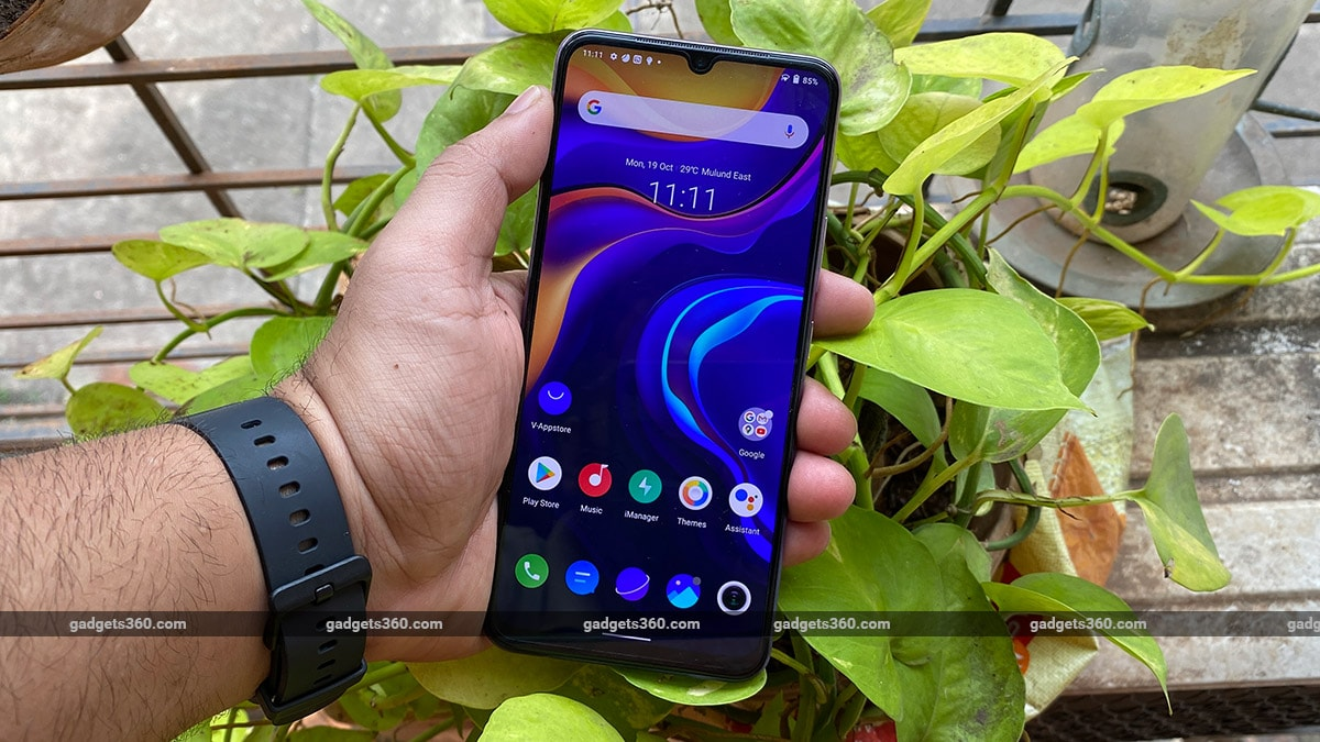 vivo v20 front amoled display gadgets360 Vivo V20 Review