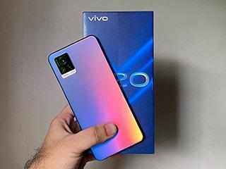Vivo V20 में कितना दम? पहली नज़र में...