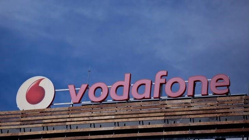 Vodafone दे रही है प्रीपेड ग्राहकों को कैशबैक और फुल टॉक टाइम