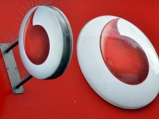 Reliance Jio's New Tariff Plans Are Against TRAI Norms, Says Vodafone to Delhi High Court
