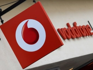 Vodafone Red Postpaid Plans Now Offer Up to 300GB of Data in Bid to Rival Jio