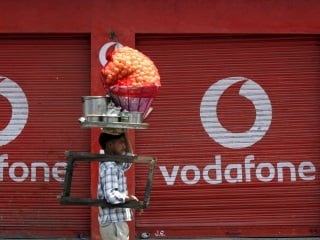Reliance Jio Happy New Year Offer Violates TRAI Guidelines, Vodafone Tells High Court