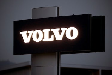 Volvo to Go All Electric by 2030, Sell Exclusively Online