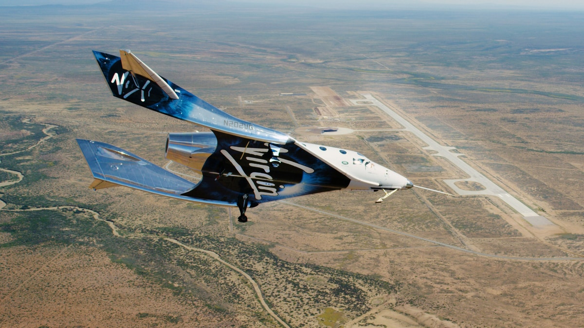 Virgin Galactic Spaceship Completes First Glide Flight in New Mexico