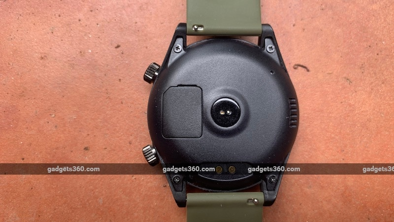 watchout watch back 800 1602498253072 - WatchOut Wearables Mad Gaze Smartwatch Impressions