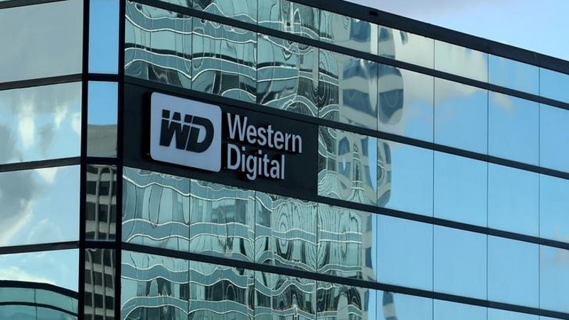 Western Digital Said to Raise Toshiba Chip Offer in Last-Ditch Bid