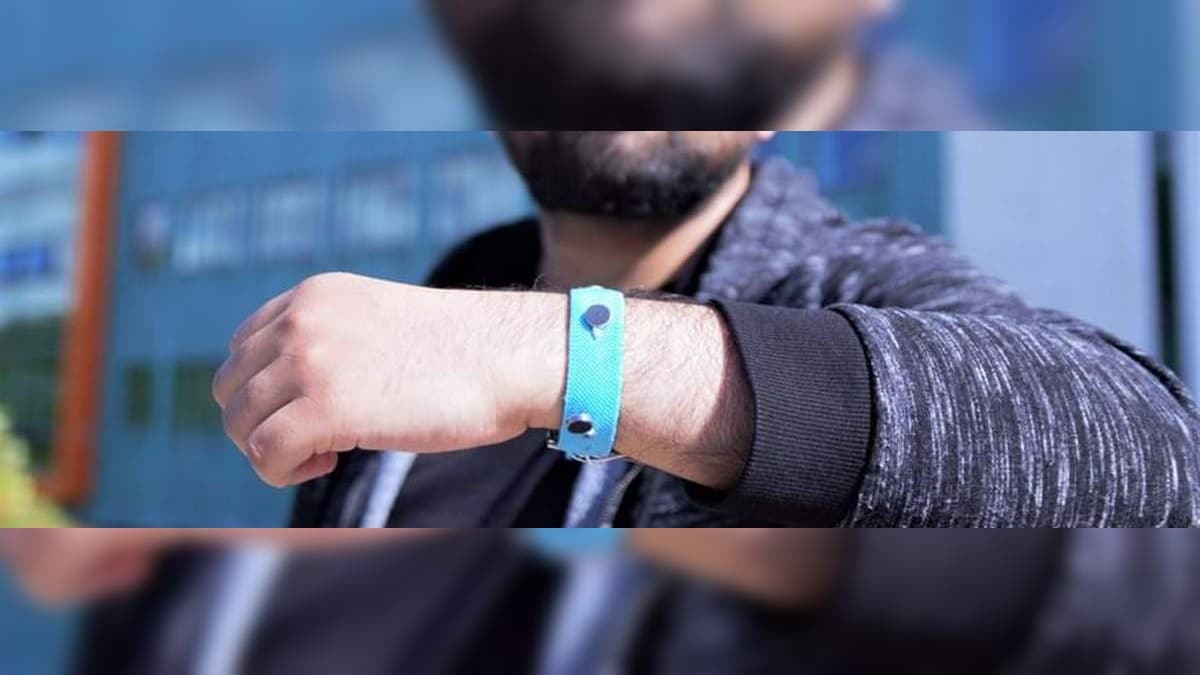 Smart Wrist Band Can Help You Monitor Your Emotions