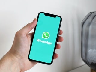 WhatsApp to Add Ability to Pause Recording Voice Messages, Fix for Chat Backup Issue Found: Reports