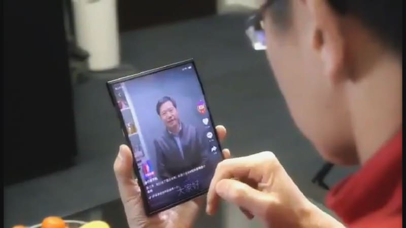 Xiaomi Foldable Smartphone Prototype Shown Off by Company President