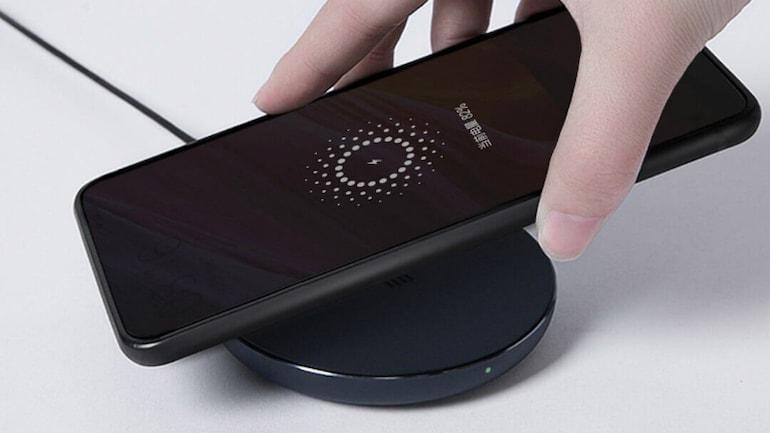 Xiaomi Mi Wireless Charger लॉन्च, टेंपरेचर प्रोटेक्शन जैसी कई खूबियां हैं इसमें
