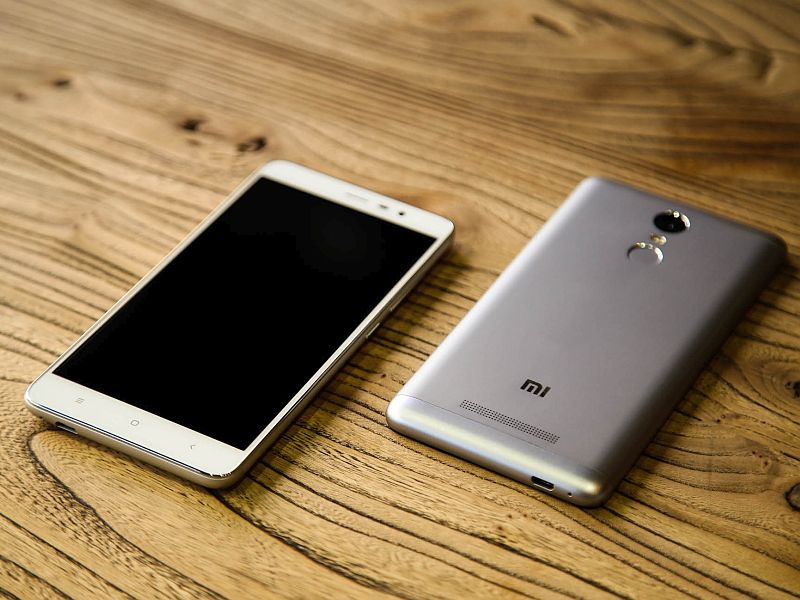 Xiaomi Redmi Pro 2 With OLED Display Gets Briefly Listed on Company Site