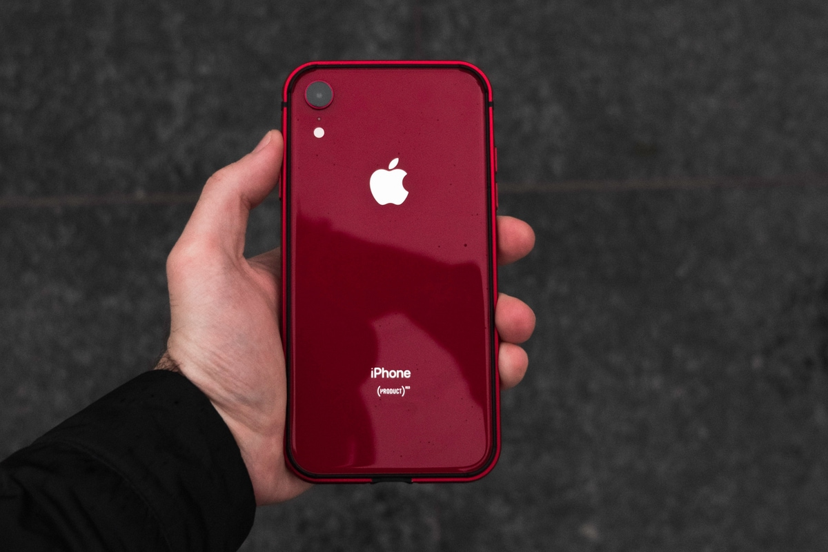iPhone XR Successor May Ship in New Green and Lavender Purple Colour Options