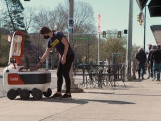 Grubhub Partners With Yandex for Food Delivery on US College Campuses via Robots