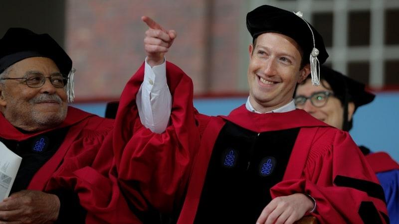 Facebook CEO Mark Zuckerberg Urges Harvard Graduates to Build a World of 'Purpose'