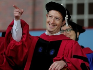 Facebook CEO Mark Zuckerberg Urges Harvard Graduates to Build a World of 'Purpose'