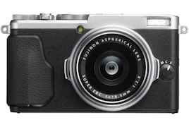 Fujifilm X 70 16.7MP Digital Camera