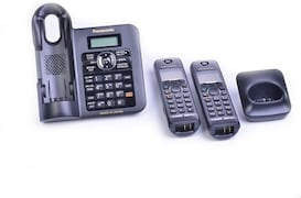 Panasonic KXTG3822JX Cordless Landline Phone (Black)
