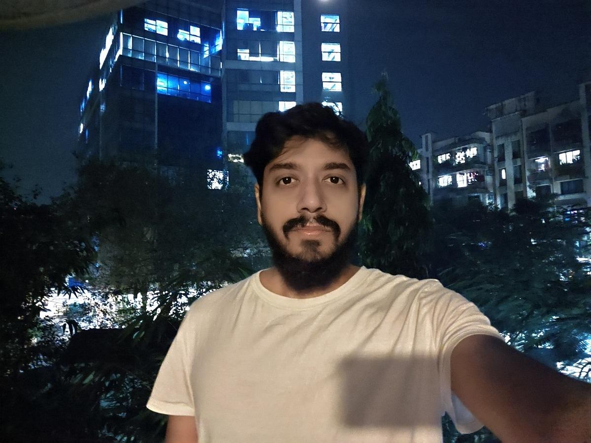 night selfie 1608118758437 Vivo V20 Pro 5G Review